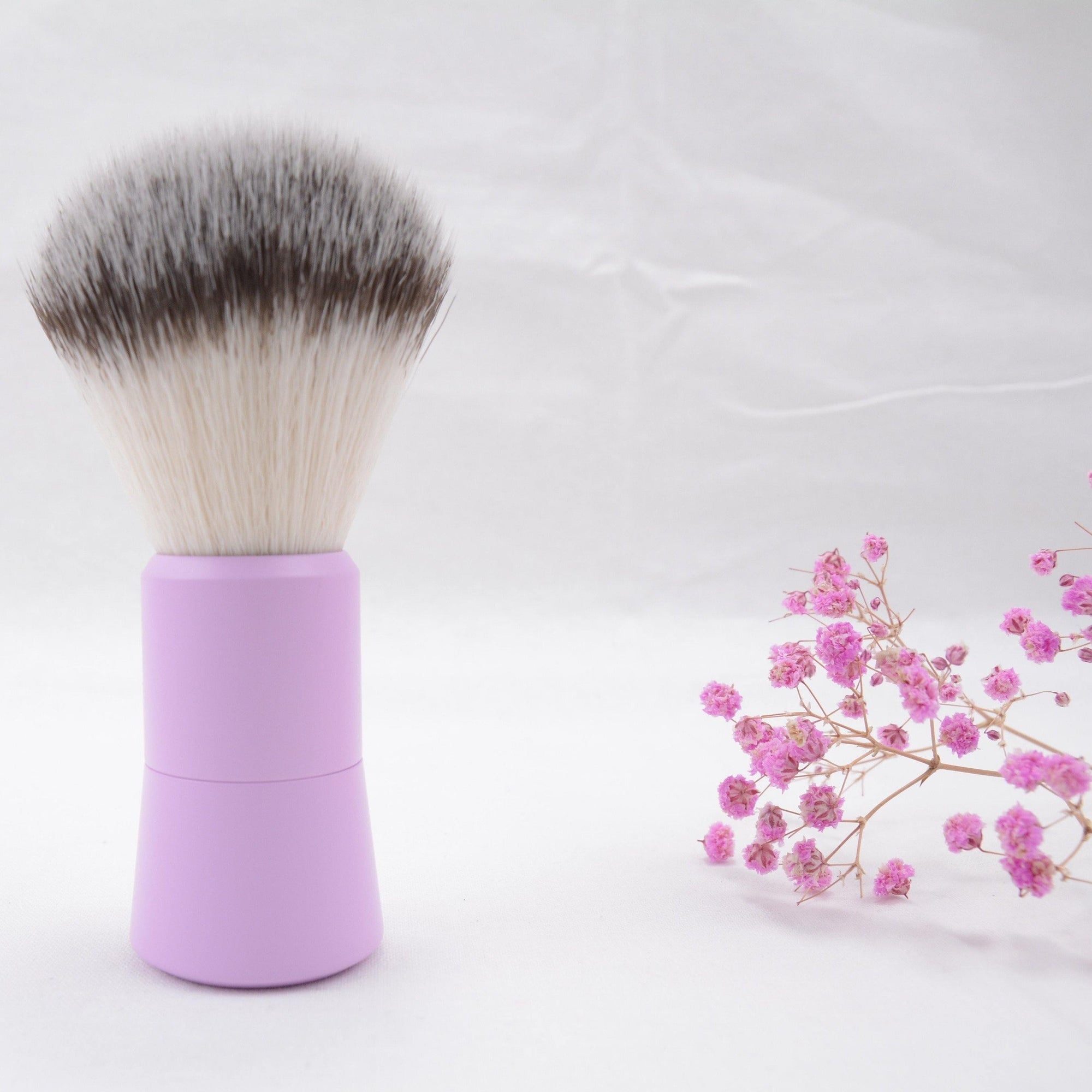 THE ULTIMATE PRETTY SHAVE BRUSH - Très Chic Shave Kit