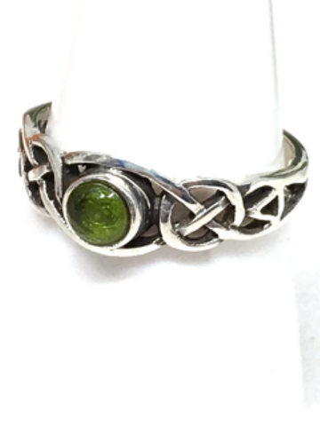Peridot Sterling Silver Celtic Ring - size 54