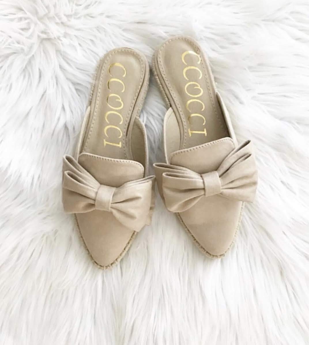 Beige Bow Slides