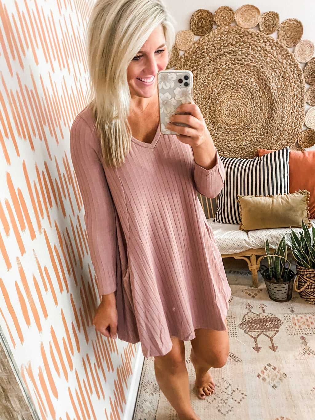 Light Mauve V Neck Pocket Dress