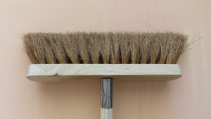 Life Wild - Natural Broom