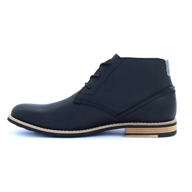Neat-Footwear-Case-Chukka-Black-Side1-Product-Page