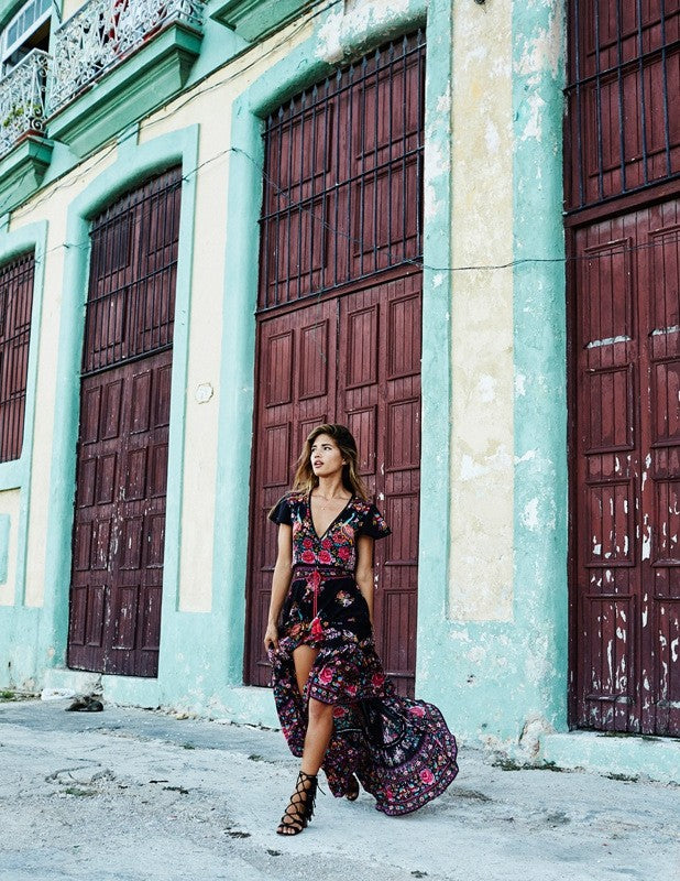 Short-sleeve Plunging Ethnic Print Gypsy Dress