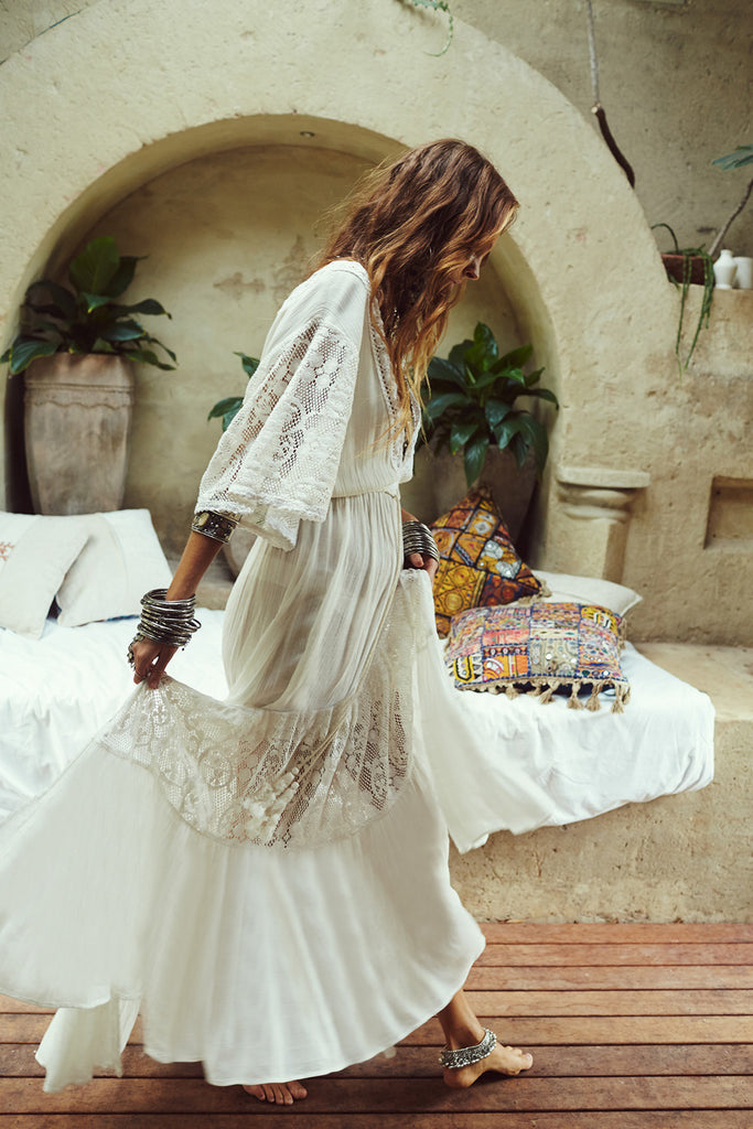 Godess White Lace Flowy Dress
