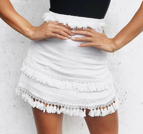 white tassel mini skirt ,  white tassel mini skirt, white boho skirt , white boho mini skirt , tassel skirt , white skirt with tassels