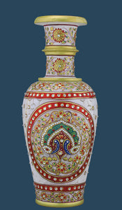 Peacock Motif Marble Vase with Jali Work