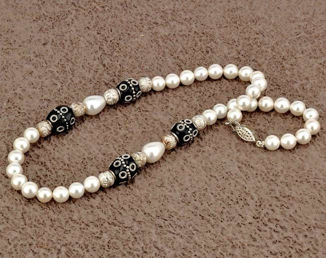Pearl Necklace 'Moon Shine