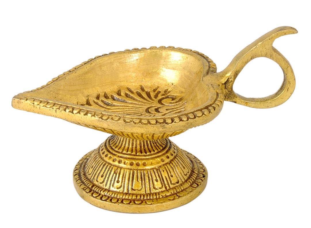 Betel Leaf Shape Wick Lamp in Brass