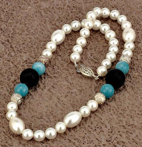 Shell Pearl Necklace with Blue Agate Stone