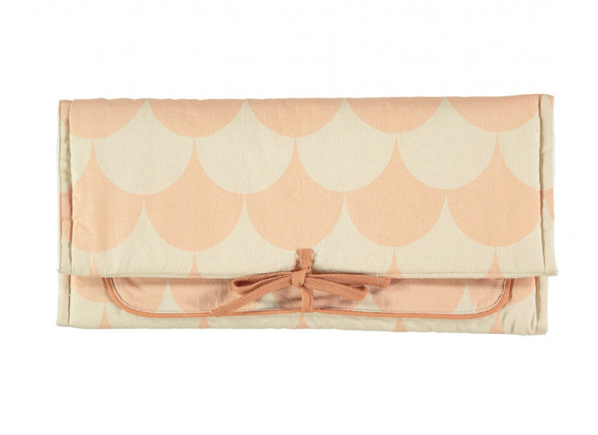 Berlin changing pad pink scales