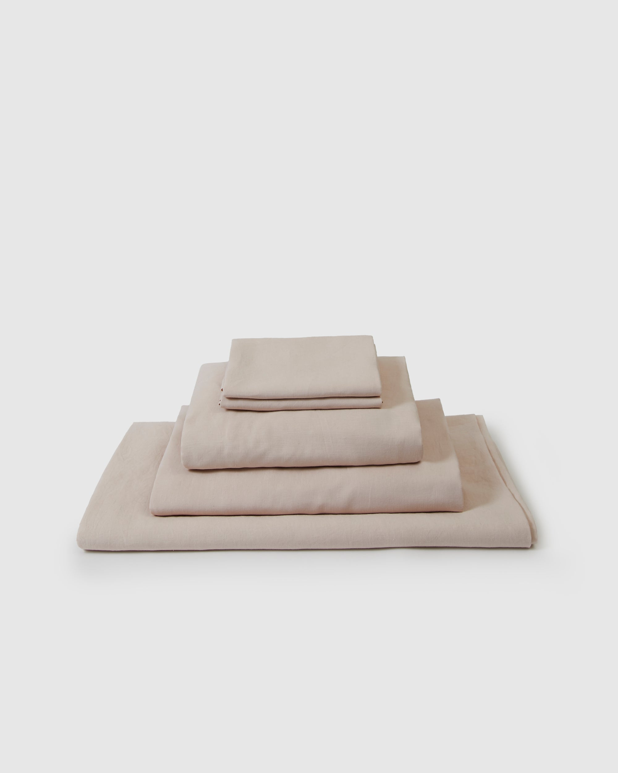 Linen sheets collection set in a light blush pink color