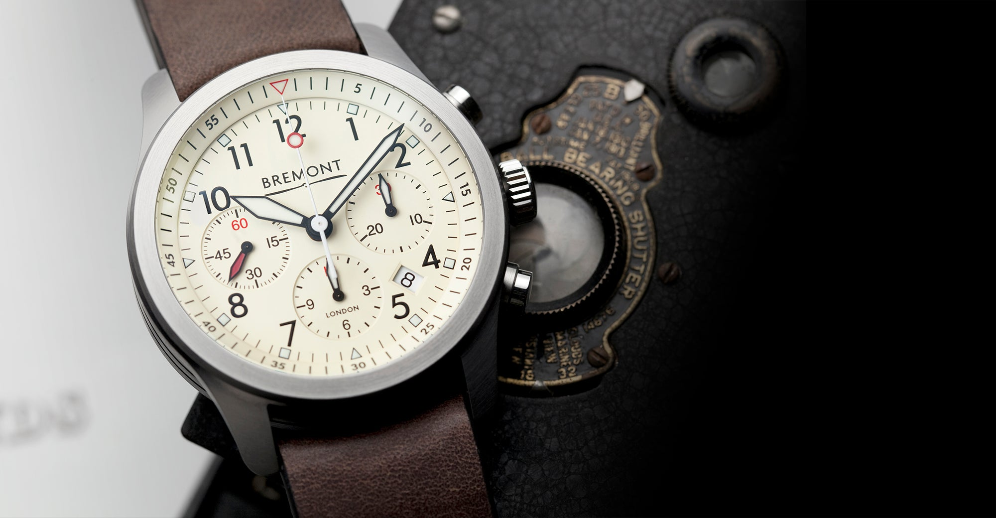 Bremont ALT1-P2 Cream Hero