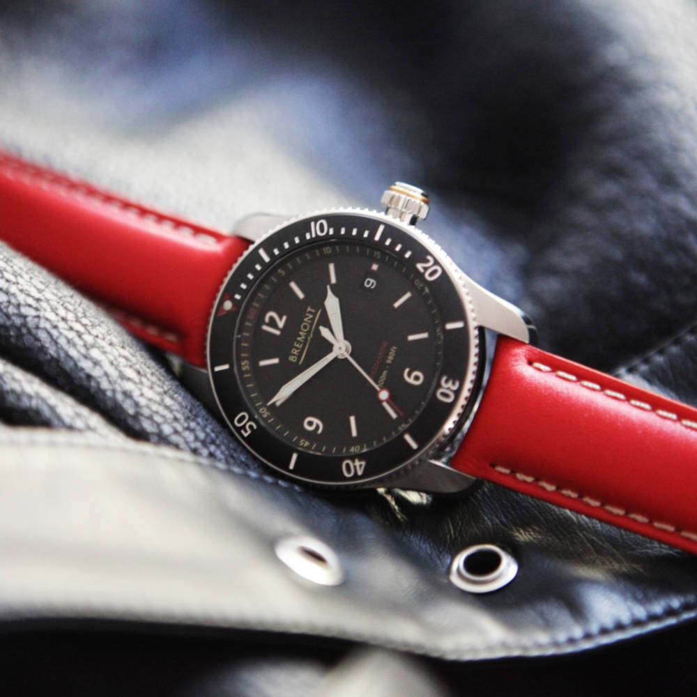 SUPERMARINE RED