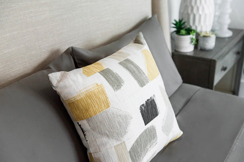 Huari Husk Pillow Cover