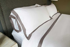 Contrast Border Pillow Shams