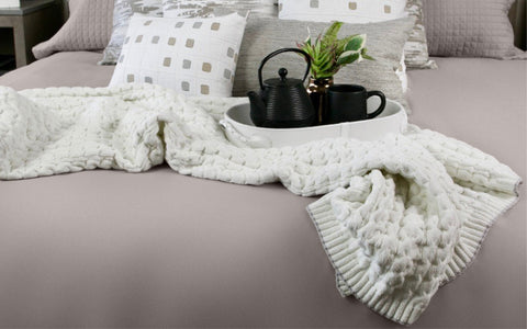 Sesame Bubble Knit Cable Throw