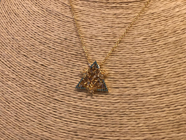 UNIQUE TRIANGLE NECKLACE