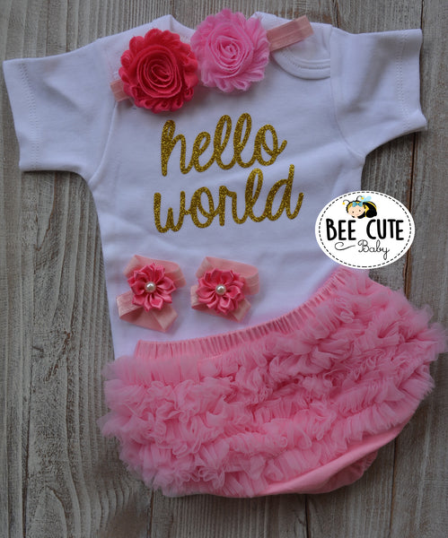 Hello World Baby outfit - beecutebaby