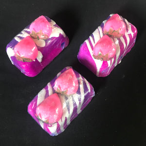 Strawberry & creme Bath Bomb