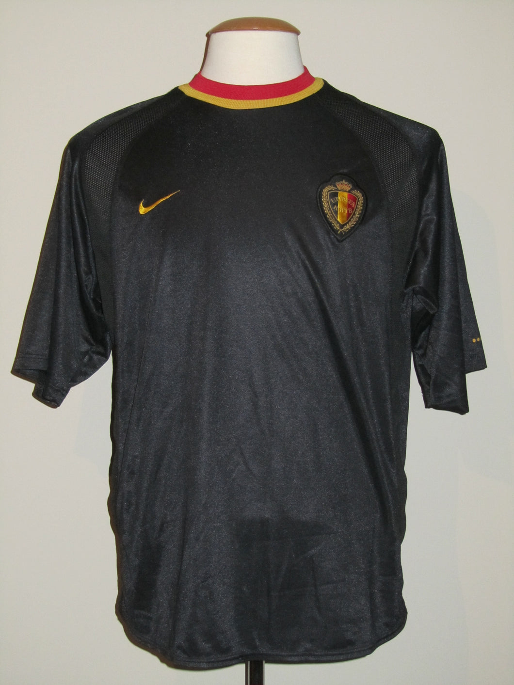Rode Duivels 2000 EK away shirt