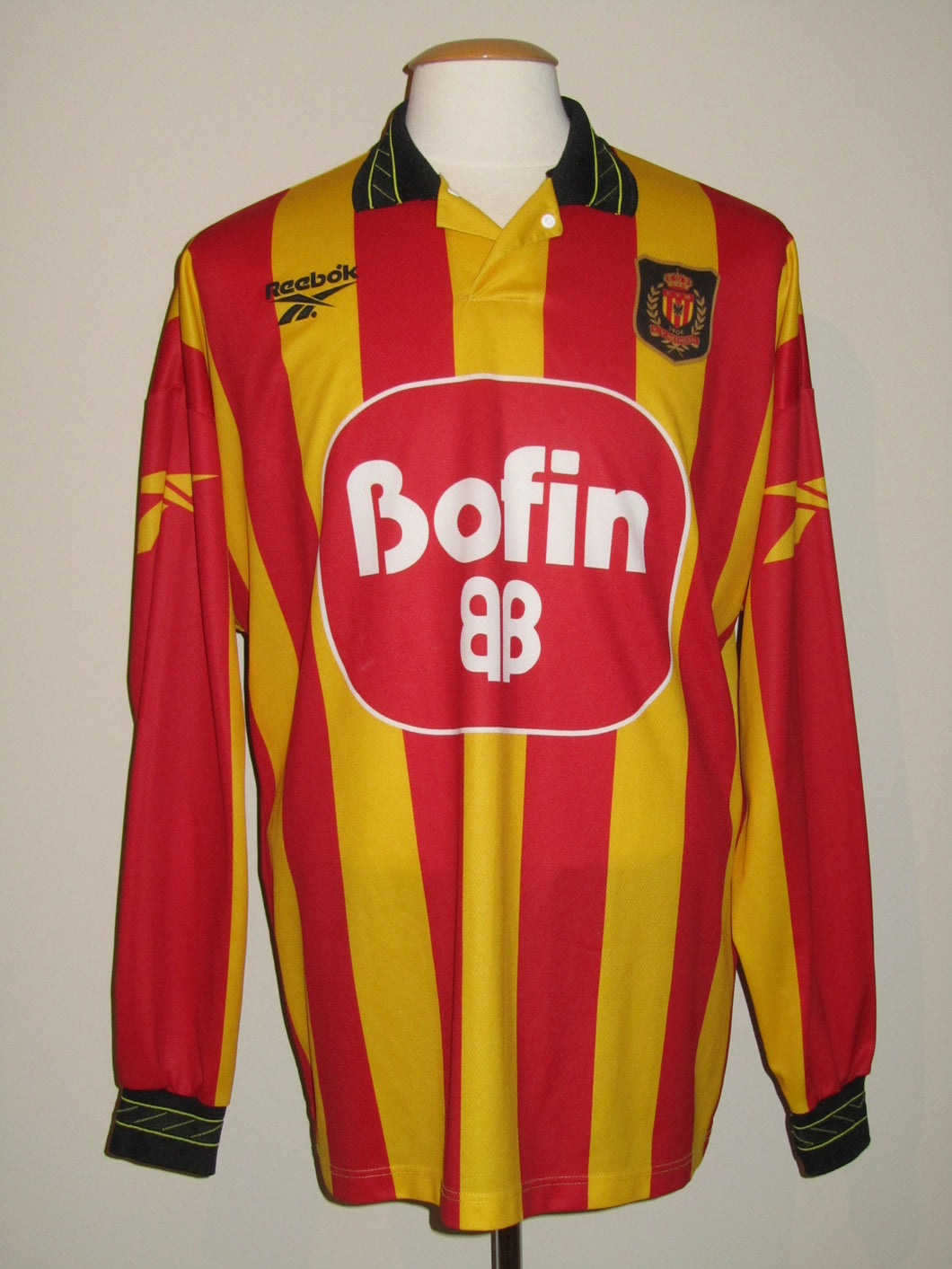 KV Mechelen 1998-99 Home shirt