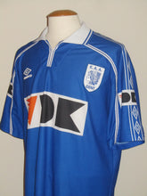 Load image into Gallery viewer, KAA Gent 1999-00 Home shirt #22