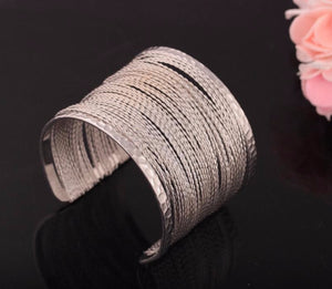 Hollow Pattern Metal Bracelet