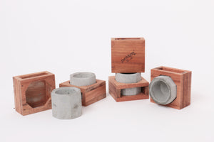M010 wood stand concrete
