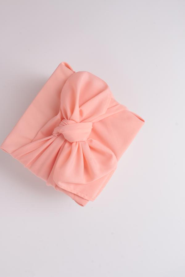 Fabric Gift Wrap ( color is random )