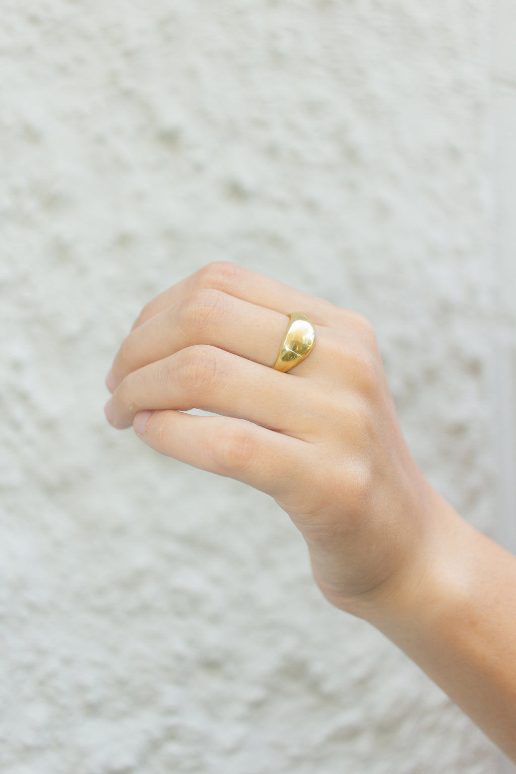 Amelia Signet Ring in Gold
