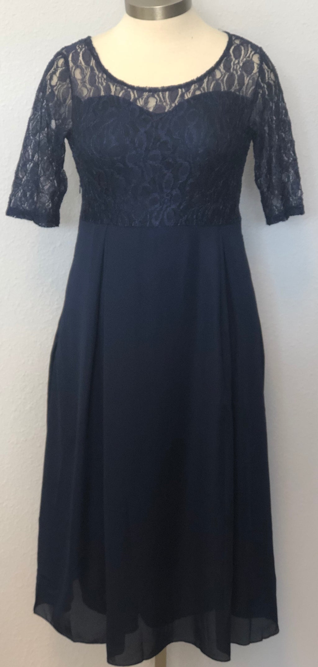 PLUS LACE ROUND NECK MIDI DRESS
