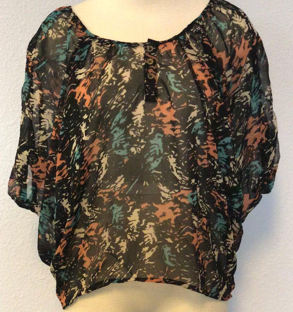 SHEER HI-LOW PRINT TOP