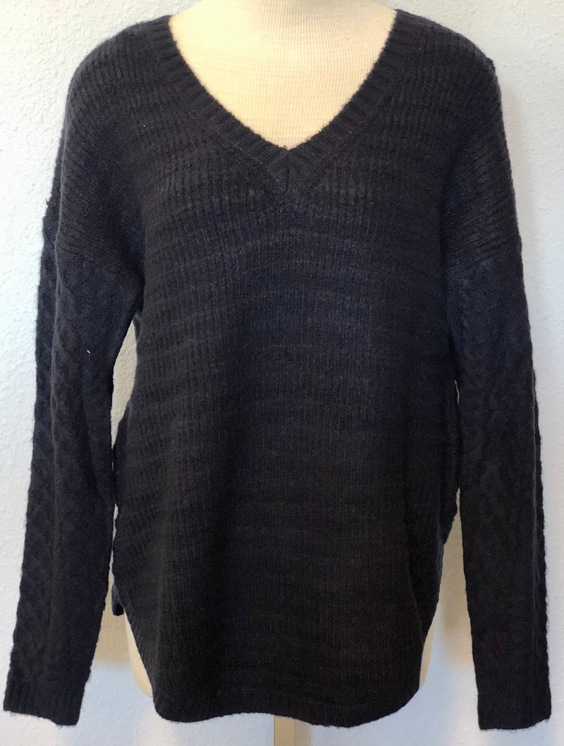 V-NECK WOOLY SWEATER
