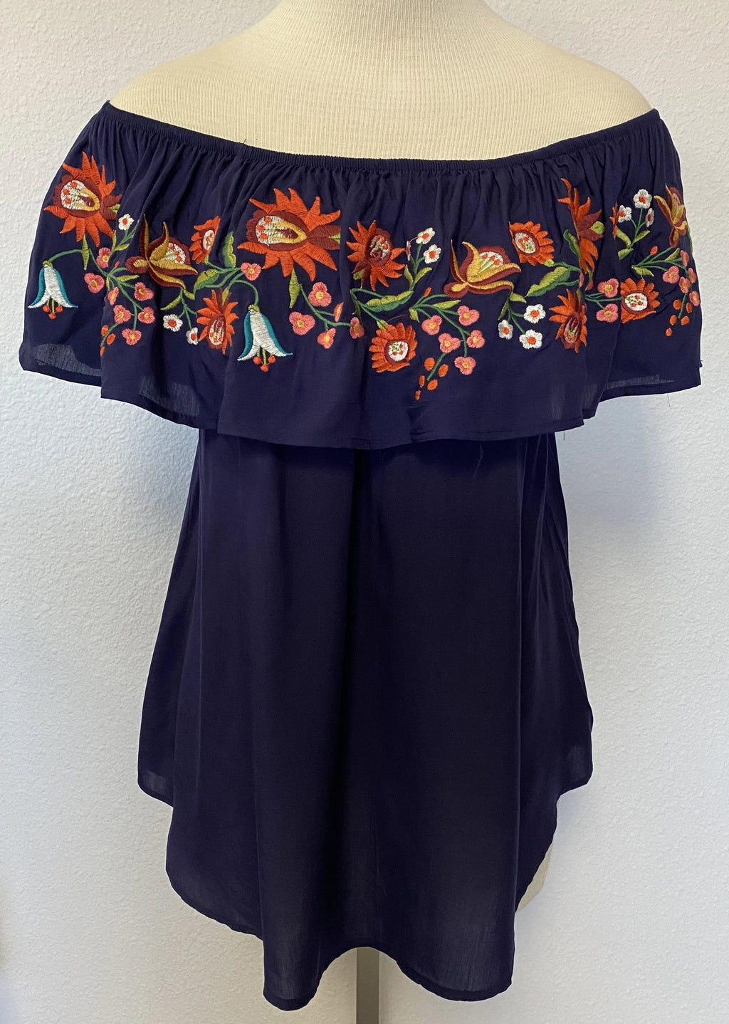 FLORAL EMBROIDERY RUFFLED BLOUSE