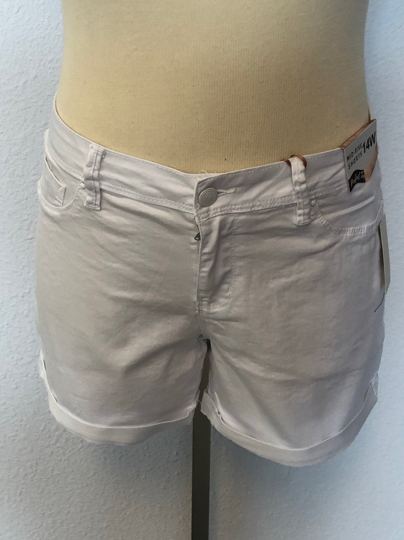 PLUS MID-RISE CUFFED SHORTS