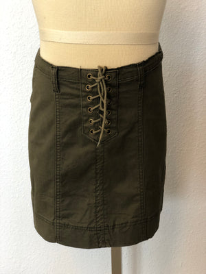 K LACE-UP SKIRT