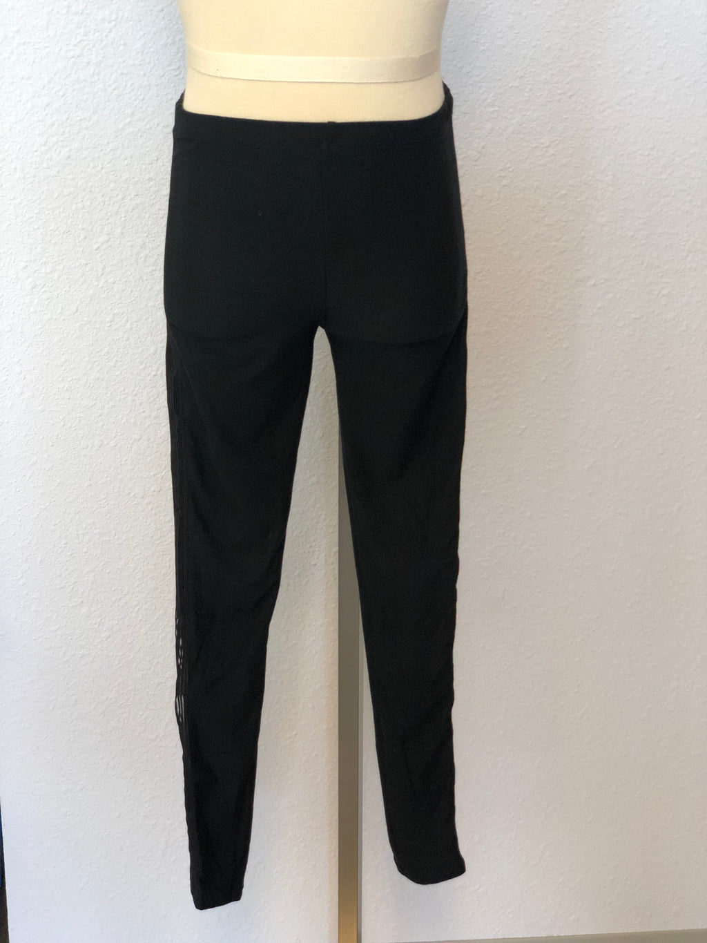 K CUTOUT LEGGINGS