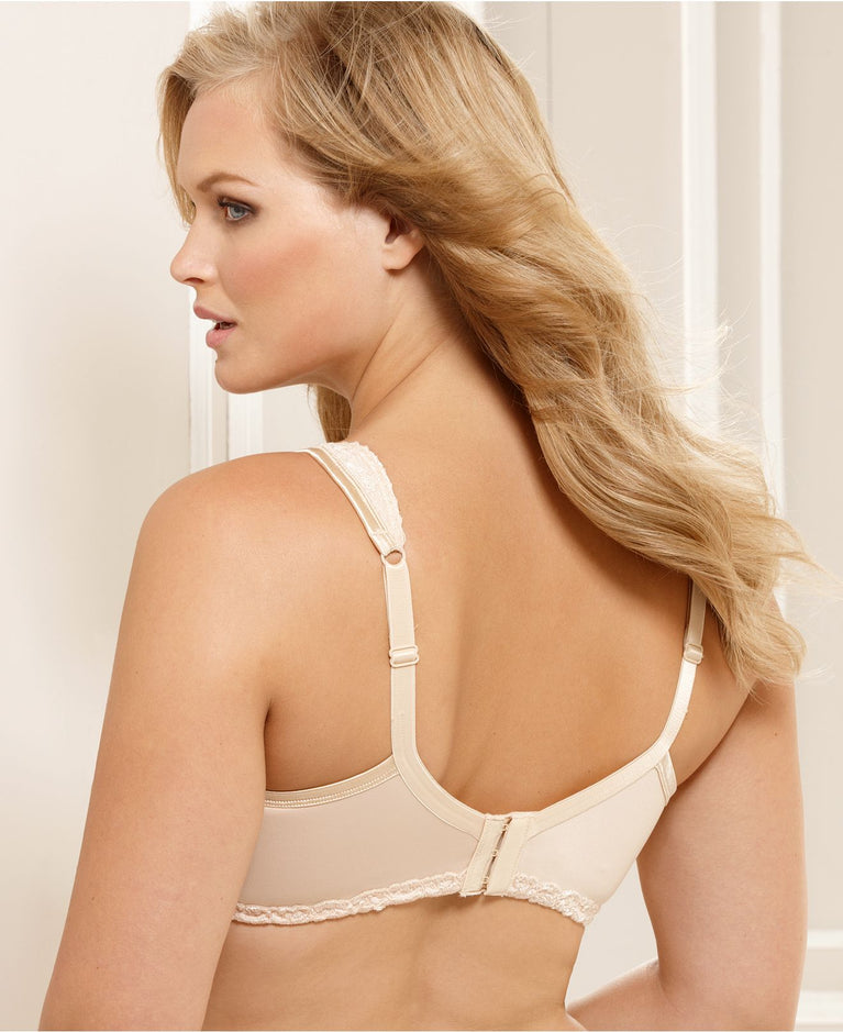 Playtex 18 Hour Comfort Lace with Breathable Airform Bra