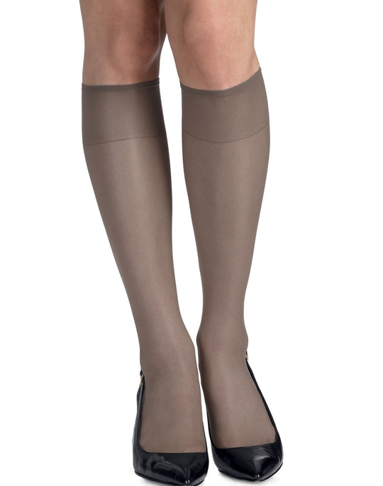 Hanes Silk Reflections Knee Highs, Reinforced Toe 2 Pair Pack