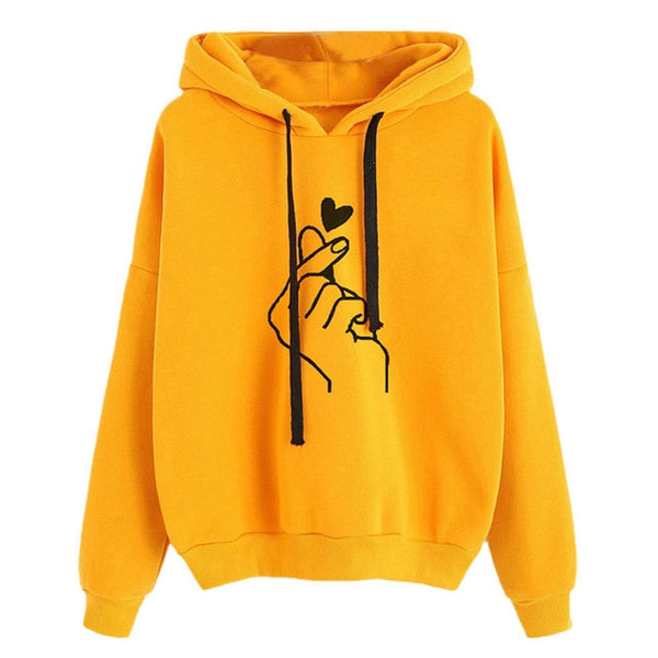 Must Have: Superweicher KDrama Finger Heart Hoodie