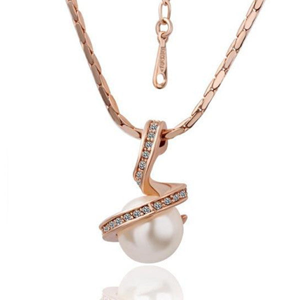 18K Yellow Gold Plated Rhinestone Pearl Pendant