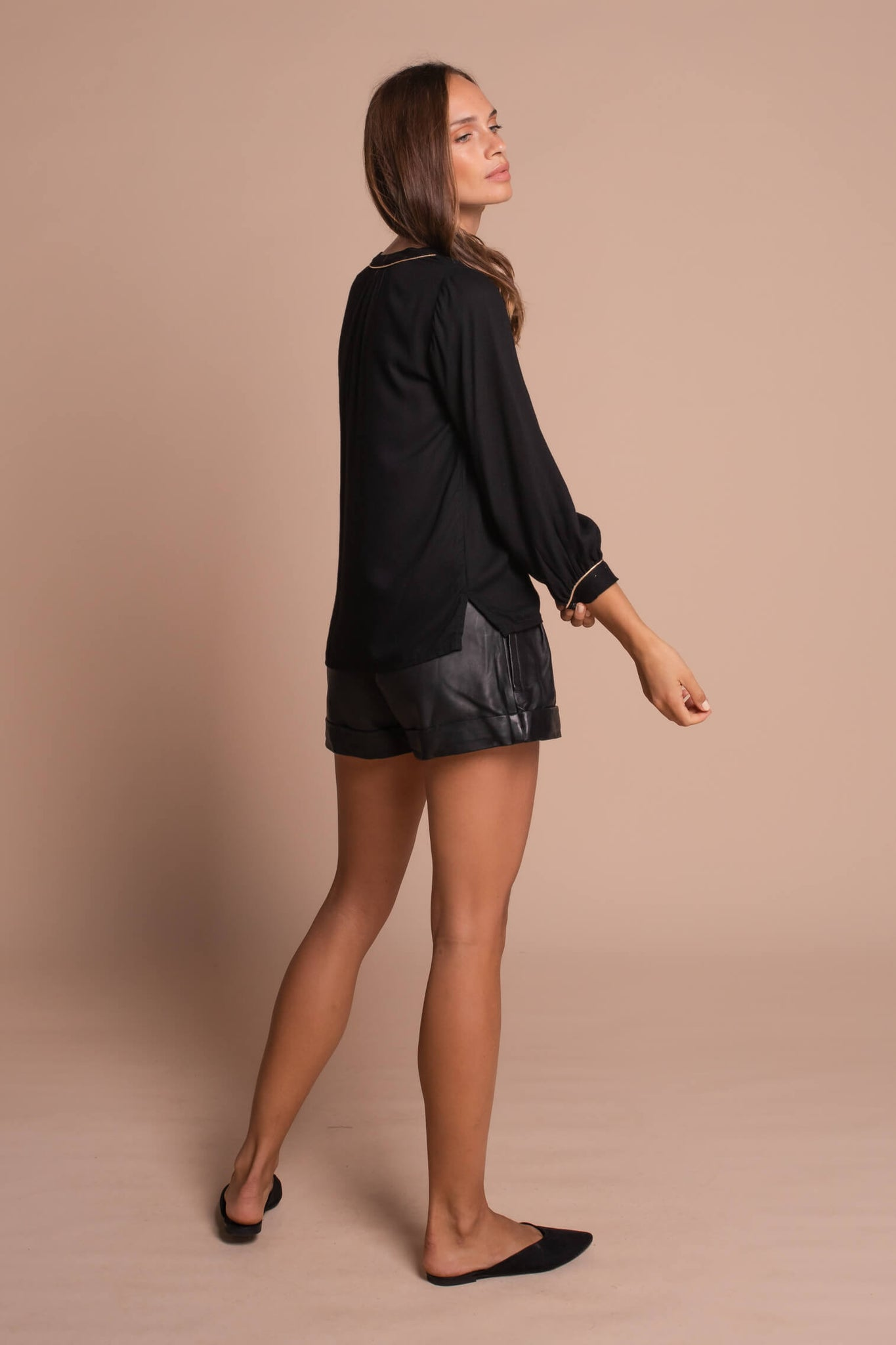black heather shirt side