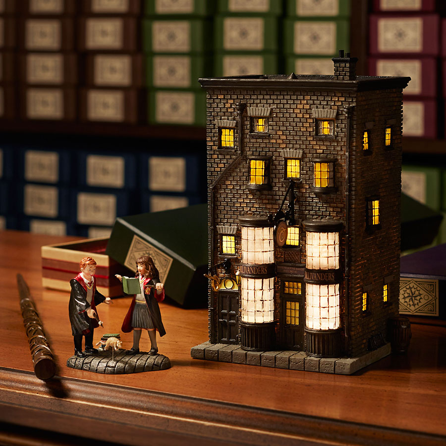 A Crafty Chick: Diagon Alley - Ollivander's Wand Shop  |Harry Potter Ollivanders Wand Shop