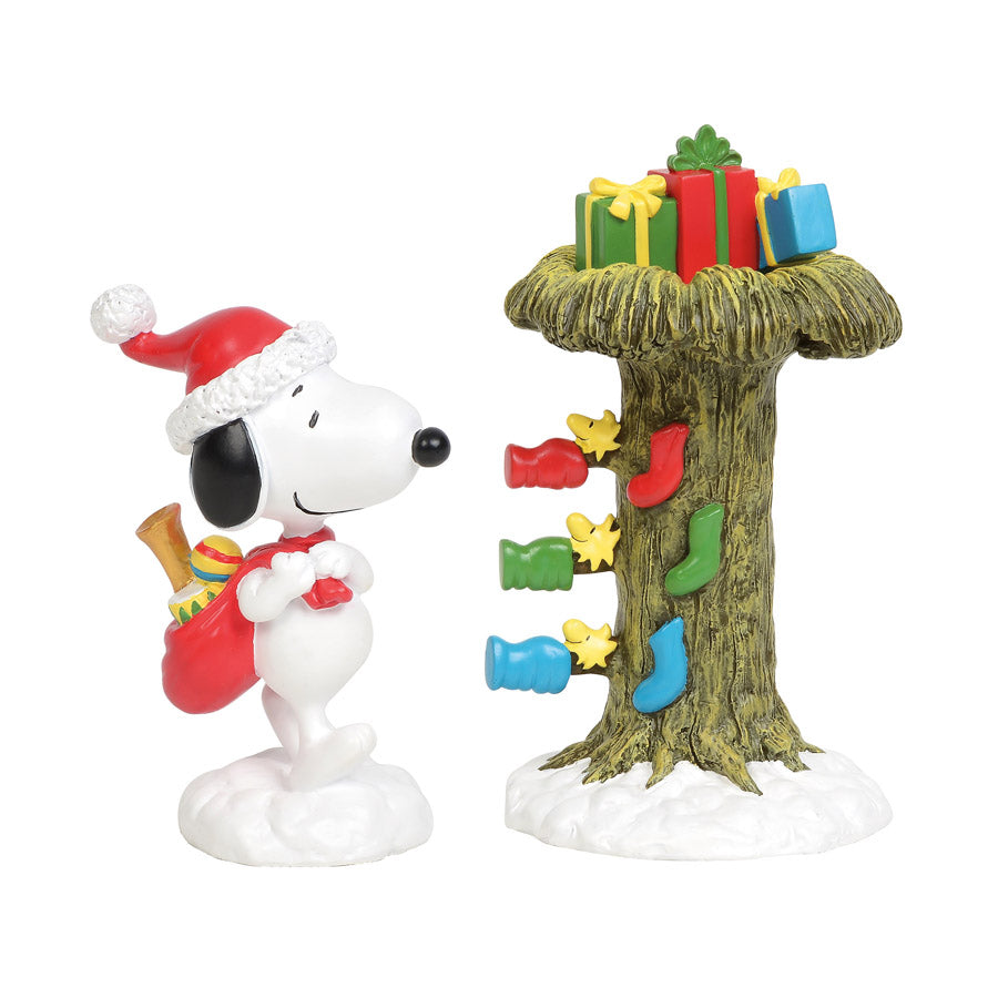 Santa Snoopy Delivering Gifts