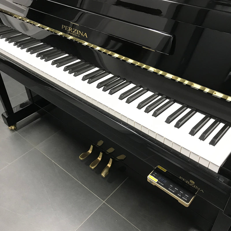 Perzina piano 122 met silent systeem