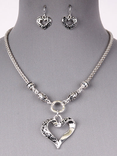 Filigree Textured Heart Pendant Chain Necklace Set - Antique Silver Tone