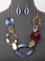 Linked Lucite & Hammered Metal Necklace Set - Multi Colors