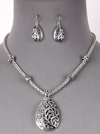 Textured Filigree Teardrop Pendant Antique Silver Tone Necklace Set