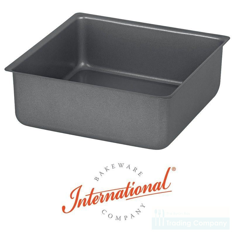 International Bakeware 23 X 23 x 8 cm Square Loose Base Cake Pan