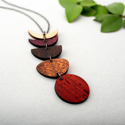 wooden-moon-phase-link-necklace